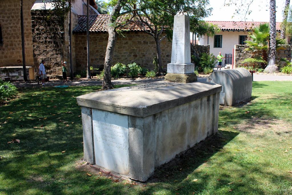 Santa barbara old santa barbara mission cemetery since for Case in stile missione santa barbara