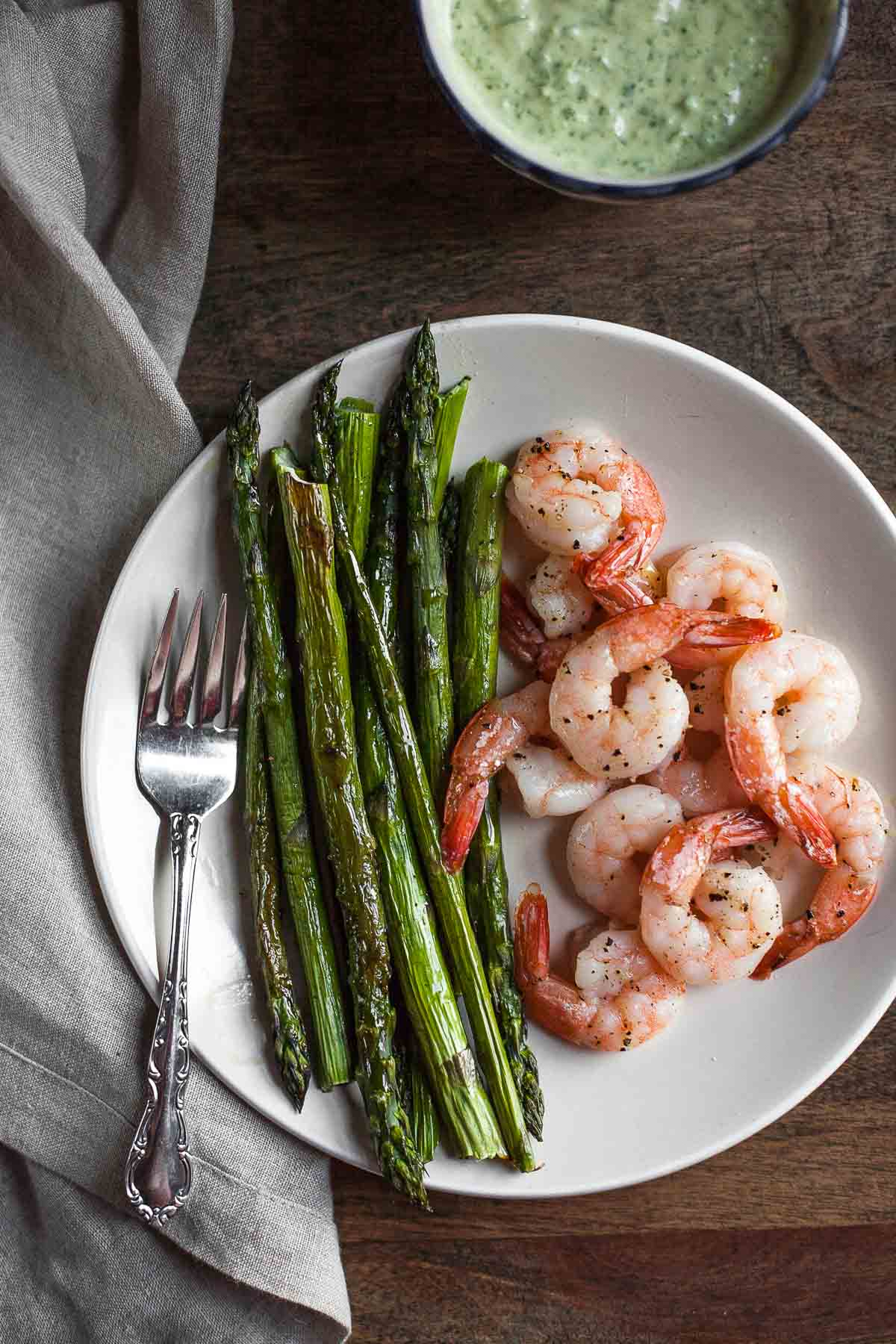 Roasted Shrimp & Asparagus with Green Goddess Dressing (Paleo) | acalculatedwhisk.com #30minuteMondays