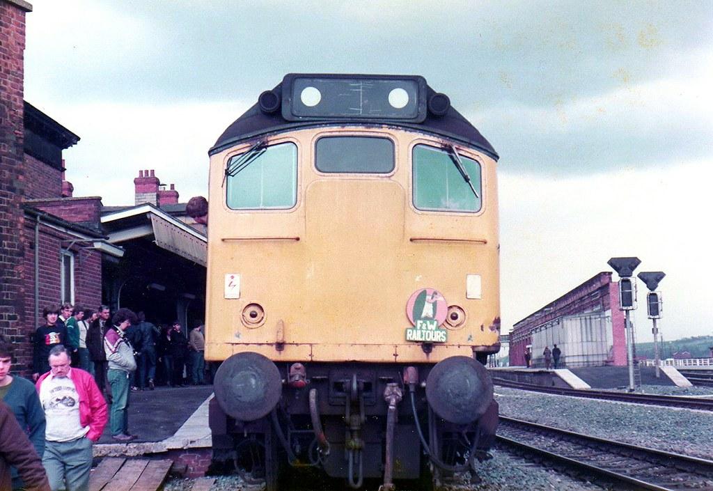 25069 Wakefield Kirkgate 2 4 1983 1z40 1344 Bradford
