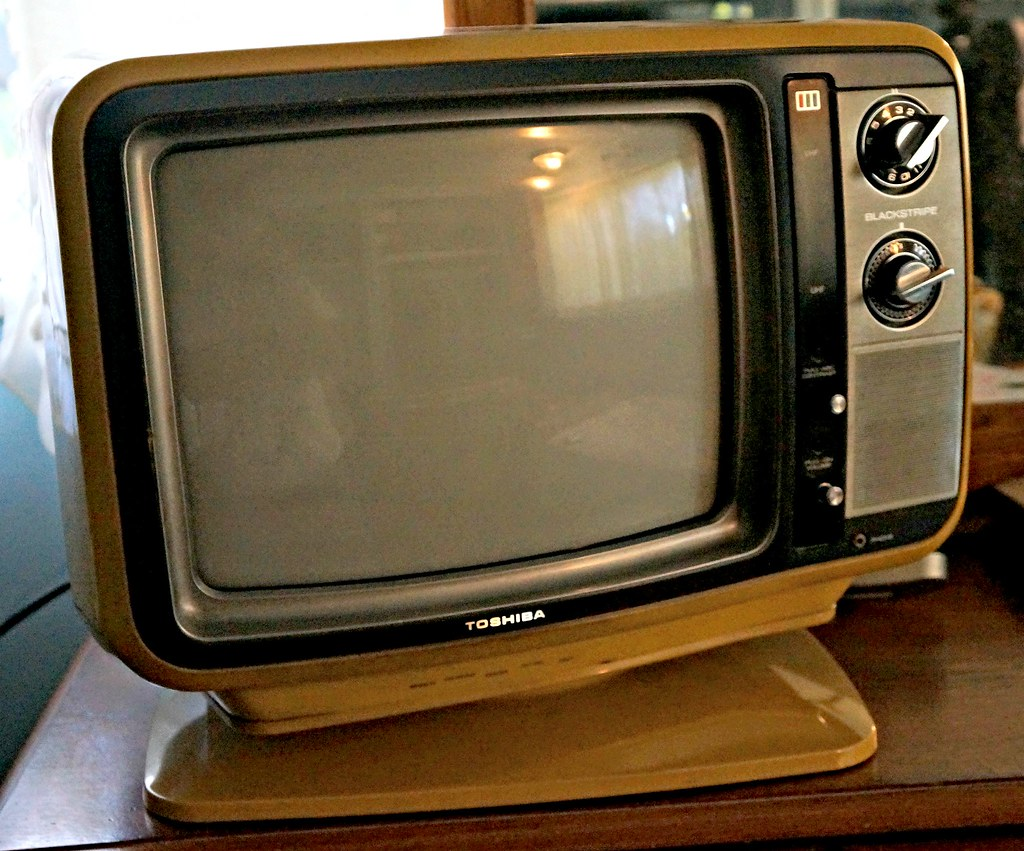 1978 Toshiba Blackstripe C385 13 U0026quot  Color Tv With Pedestal