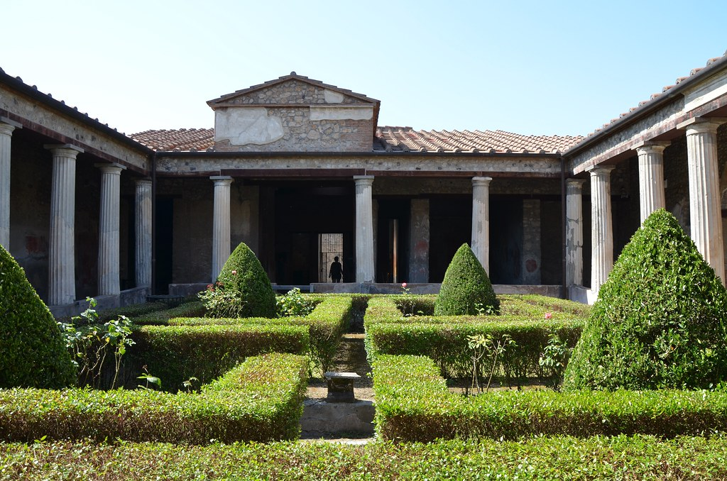 The peristyle of the house of menander regio i pompeii for House images gallery