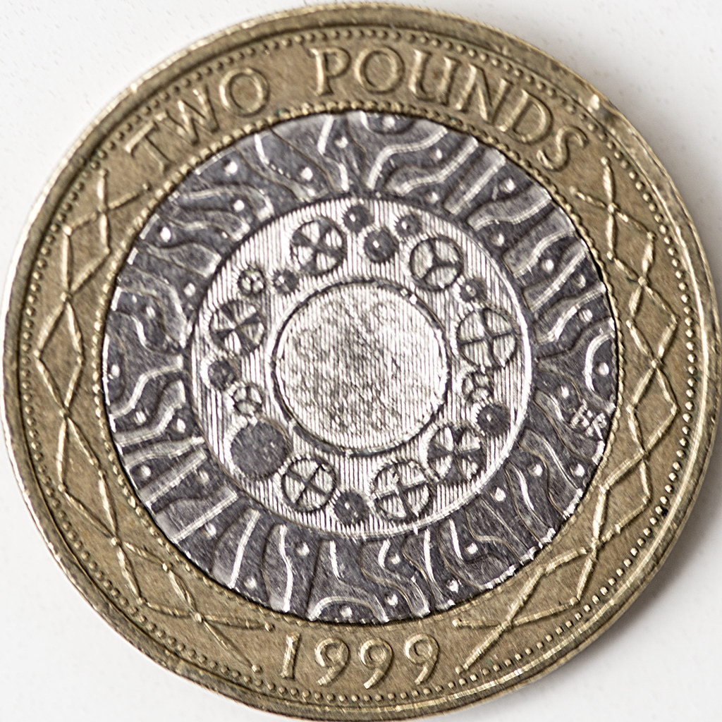 Two pounds (British coin) - Wikipedia