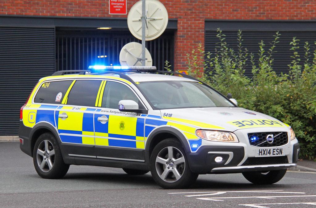Hampshire Police Volvo Xc70 Armed Response Vehicle 5418