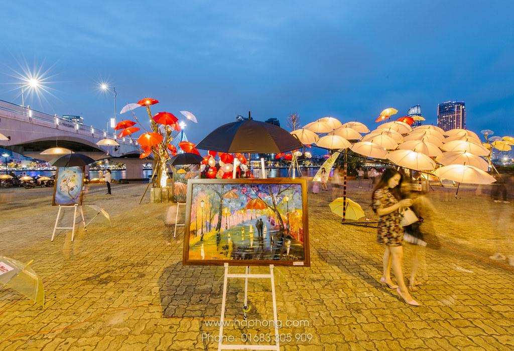 """Rực rỡ sắc màu cùng nghệ thuật sắp đặt Dù tại Đà Nẵng """"Nắng tháng ba"""" 05"""