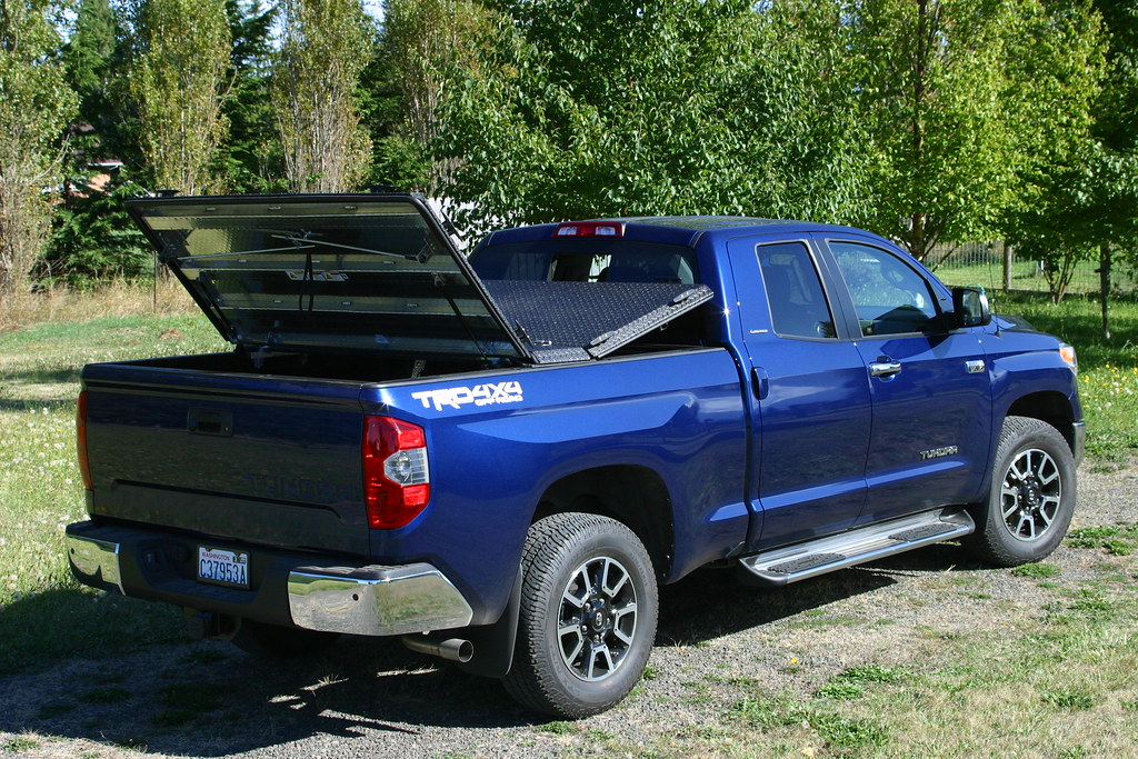 Truck Bed Cover For  Toyota Tundra