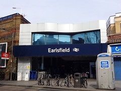 Picture of Earlsfield Station