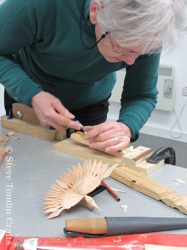Fan bird carving course