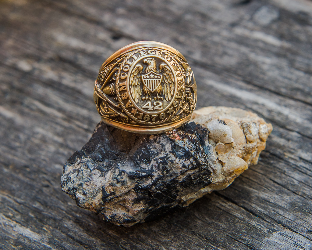 Aggie Ring Couple Scetch