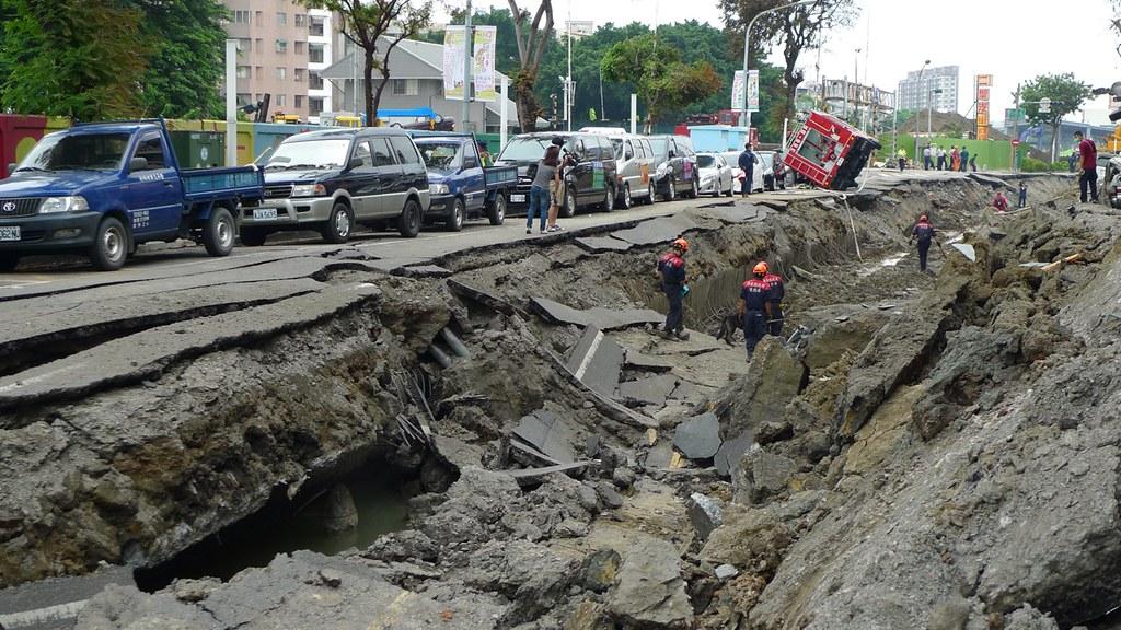 高雄氣爆等工程災難,到現在都沒有調查報告。圖片來源:公共電視我們的島 石化驚爆:高雄氣爆特別報導