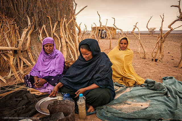Making lunch in the desert of Mauritania Africa