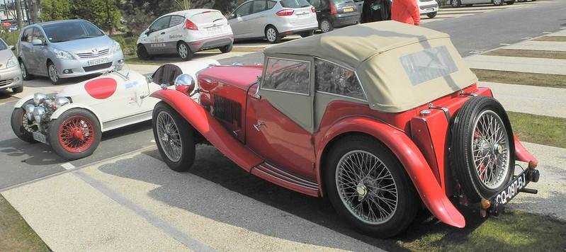 MG 1933 - Sainte Geneviève (91) Mars 2013  14865204734_9be0405d84_c