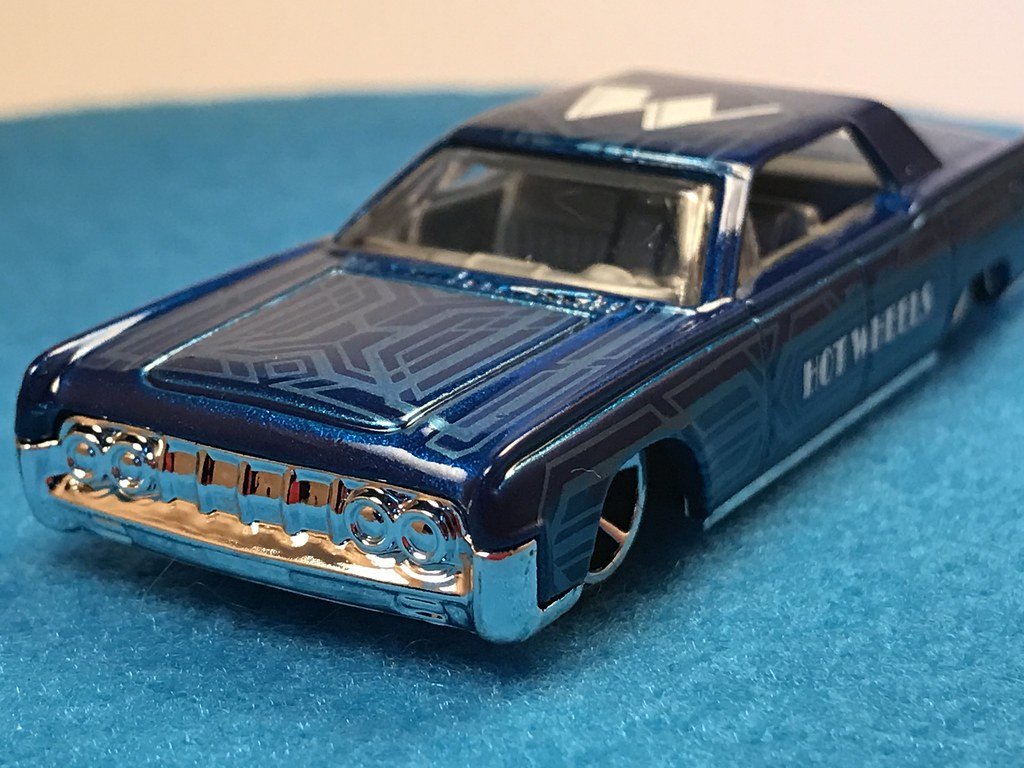 2017 Hot Wheels '64 Lincoln Continental HW Art Cars 2/10