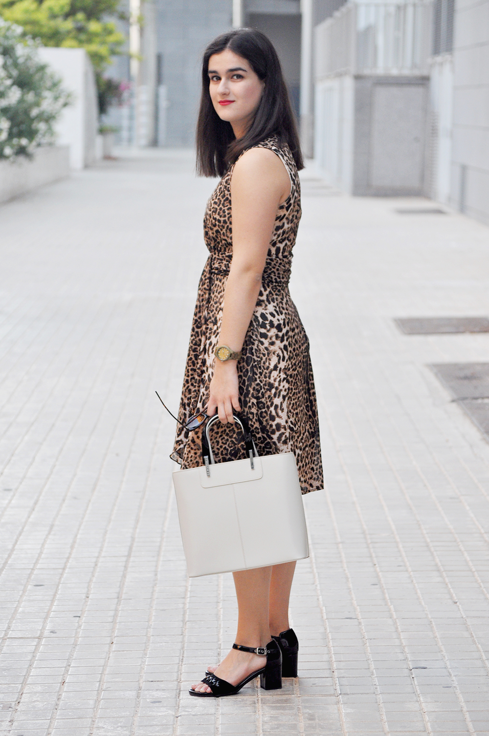 valencia fashion blogger moda, something fashion leopard dress, JORDwatch wooden watch sunglasses streetstyle outfit, stonefly lamarthe bag, how to wear leopard print dress