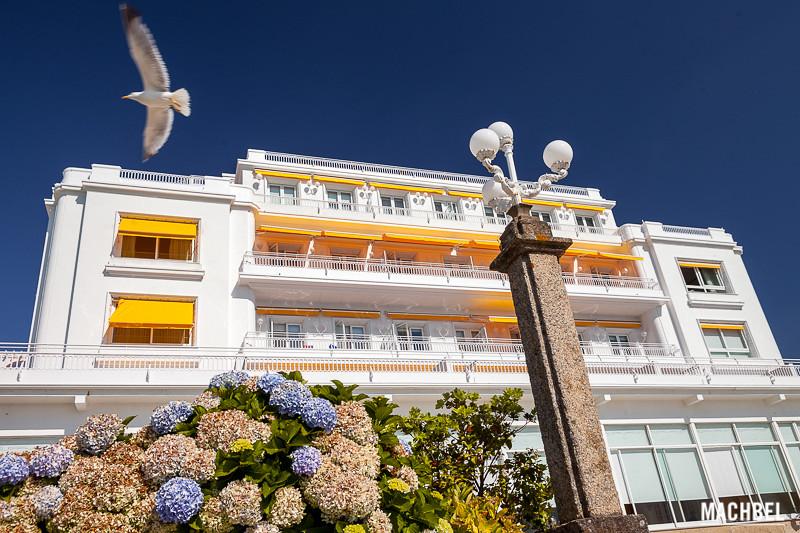 Gran hotel la toja gran hotel la toja en galicia by for Hotel luxury la toja