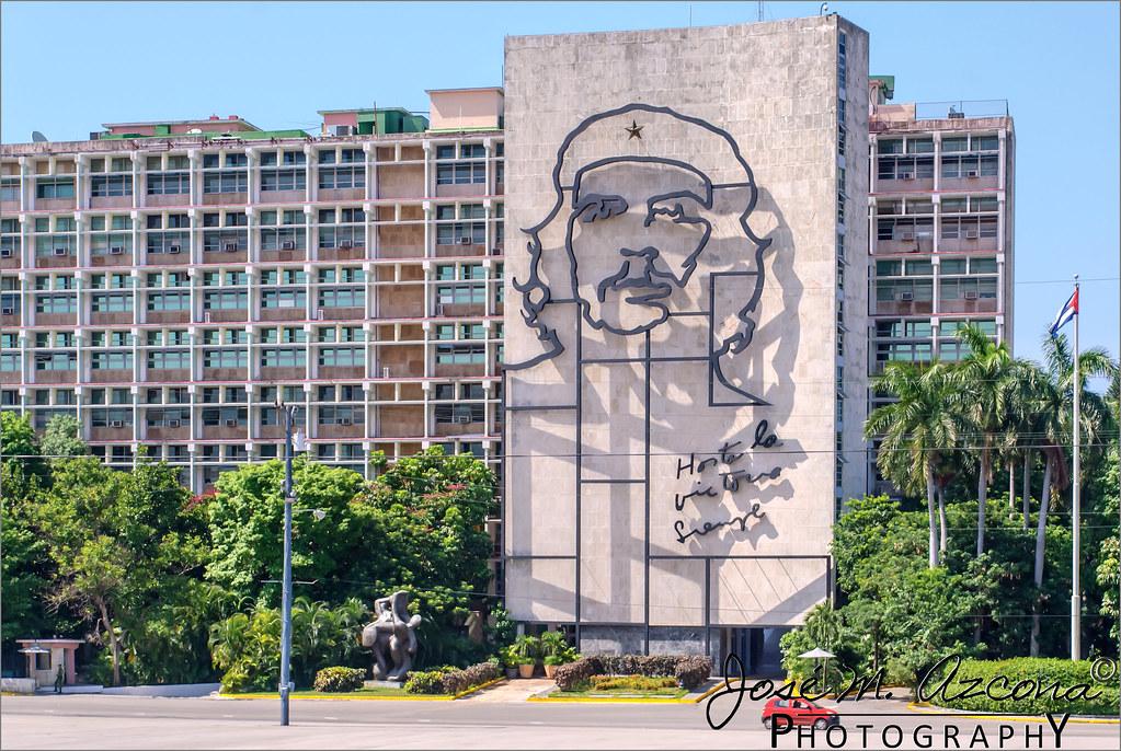 La habana cuba monumento al che guevara en la plaza for Donde queda el ministerio del interior