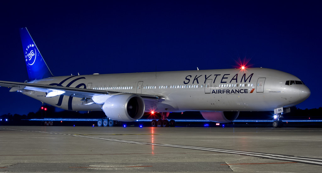 Air france b777 300 skyteam mathieu pouliot flickr for Air france assistance chaise roulante