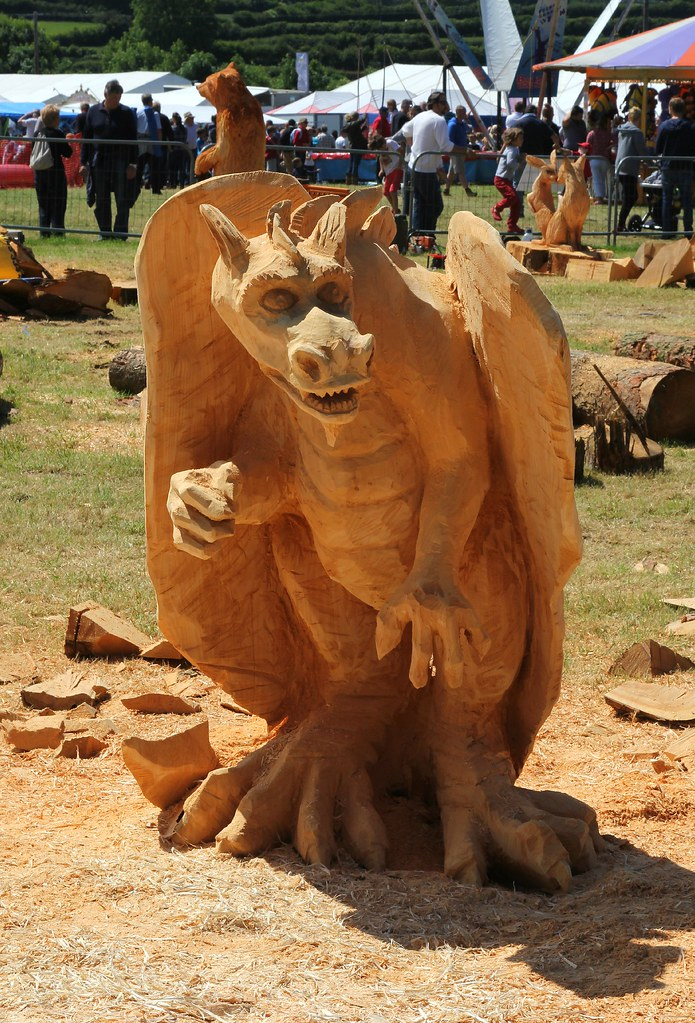 Woodfest chainsaw carved dragon