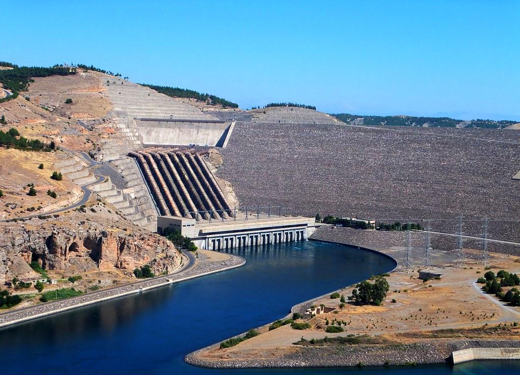 Ataturk Baraji Ataturk Dam On The Euphrates River In