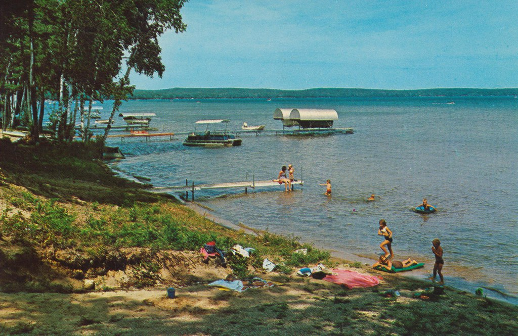 higgins lake big and beautiful singles Higgins lake is the 6th most beautiful lake in the world  that has big beaches, and no  (1 king & 6 singles) the beautiful knotty pine will make you feel right.