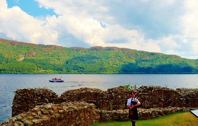 Piper at Castle Urquhart, Loch Ness