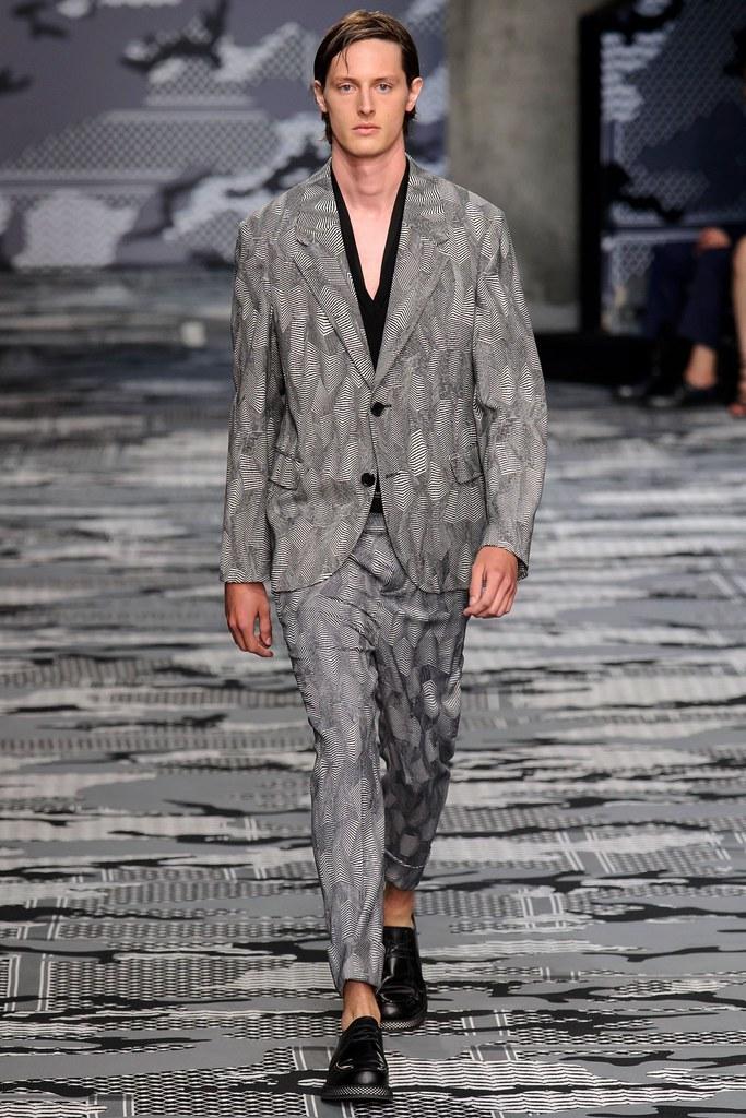 SS16 Milan Neil Barrett008_Nick Shaw(fashionising.com)