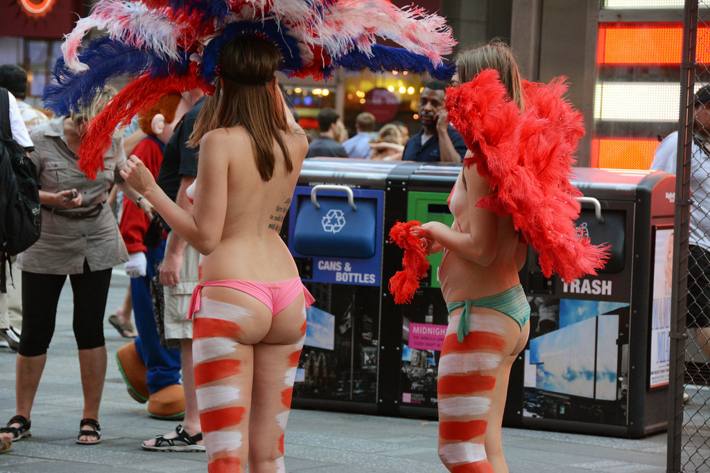 Women In Times Square In Nyc Wearing Only Body Paint Phot -8492
