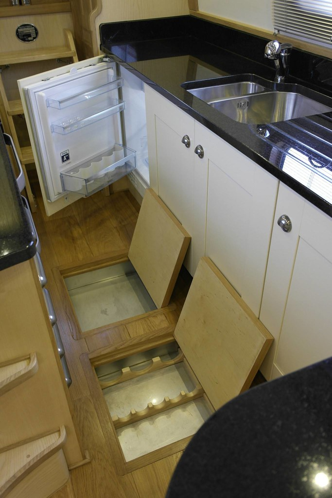 10273137 729237833799570 2148954752658529732 o for Boat galley kitchen designs