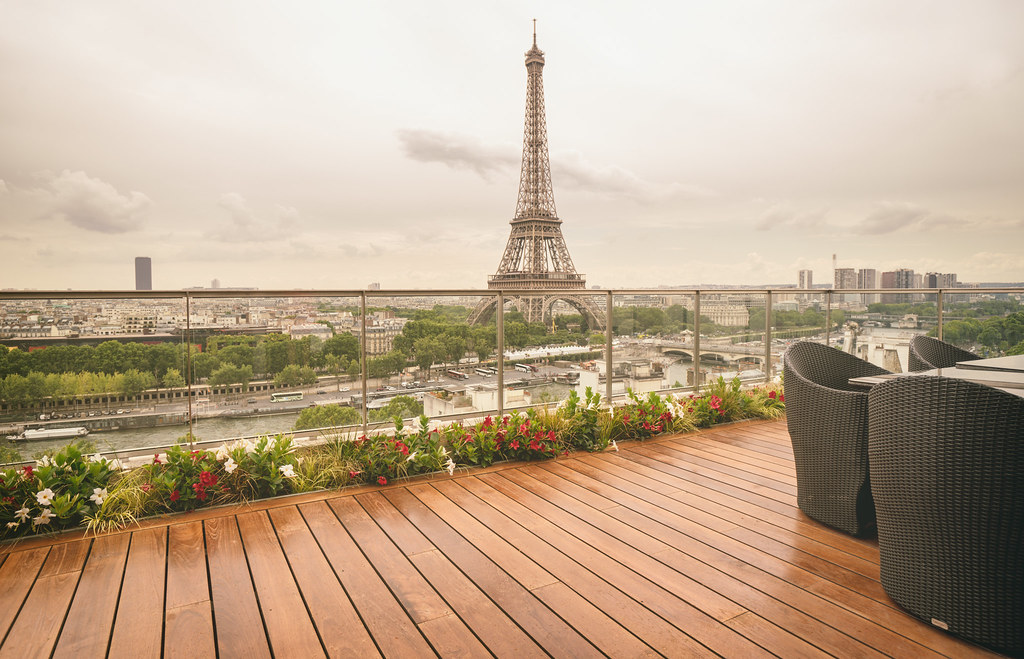 Paris shangri la hotel best view eiffel tower there for Terrace eiffel tower view room shangri la