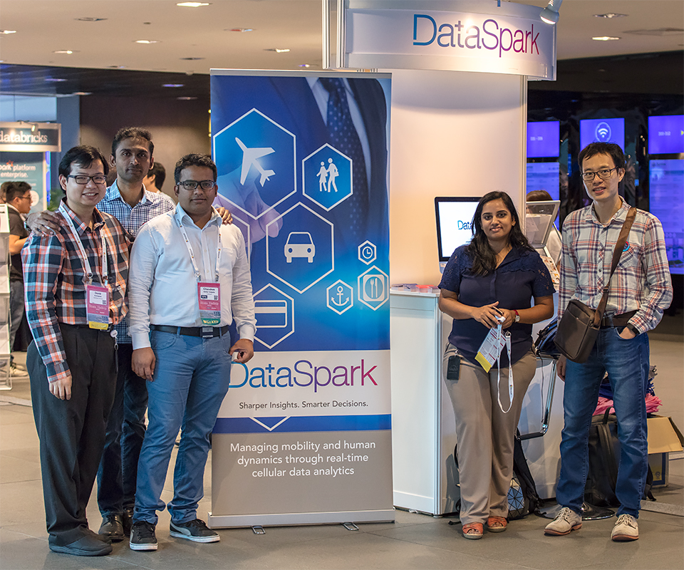 Meeting the delegates with the Product Team at DataSpark's booth, Strata & Hadoop 2016. (Left to Right): David Kurniawan, Product Manager, DataSpark; Jayakumaran Deepak, Data Engineer (Products), DataSpark; Chandra Sekhar Saripaka, Senior Data Engineer, DataSpark; Vinutha Raghavendra; and Dr Keen Dang, Senior Data Scientist (Products), DataSpark.