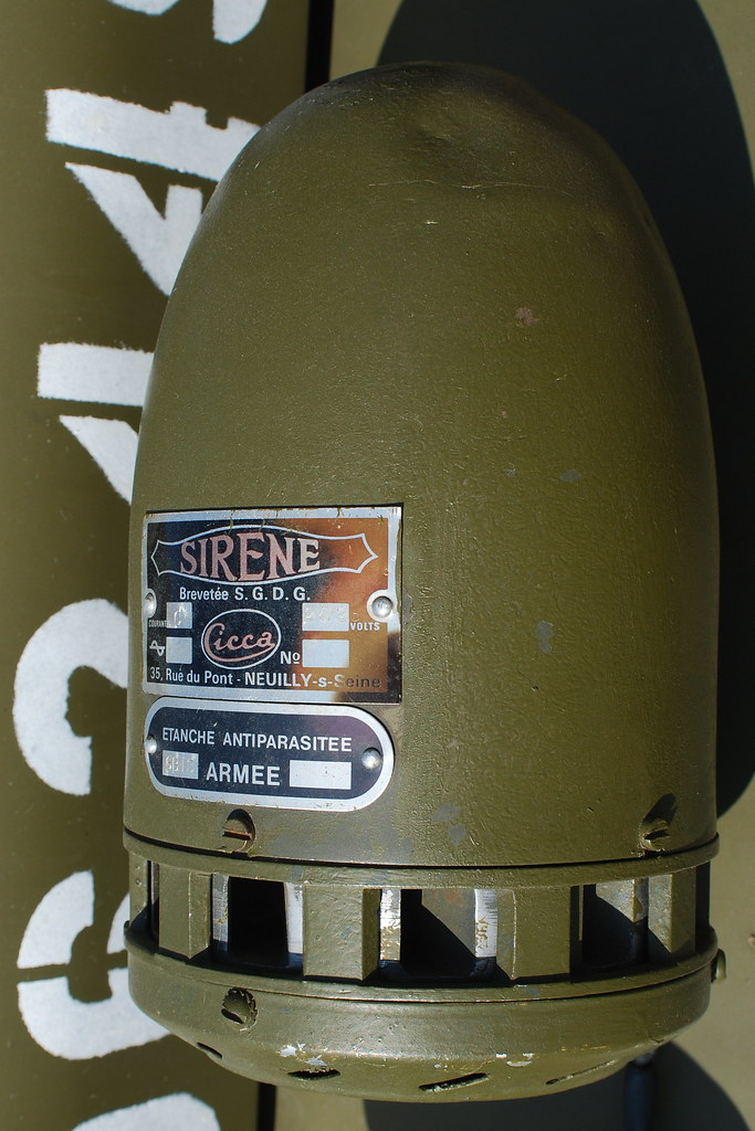 French 'Sirène' on US Army Jeep Willys, Ford GPA & Dodge M ...