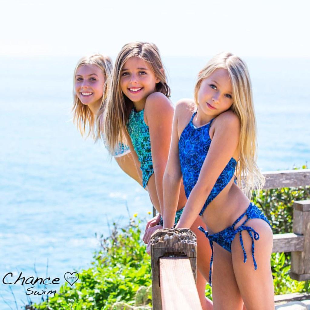 B Girls Fun At The Beach