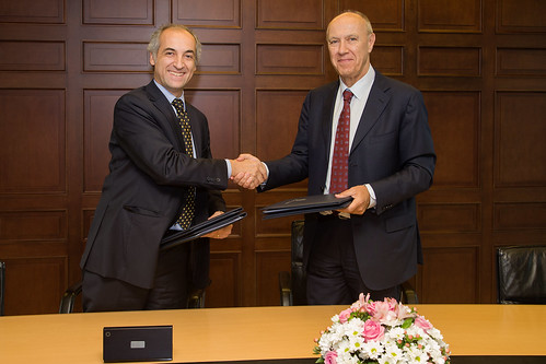 WIPO and Chile's IP Office Sign Agreement on Role as PCT International Search Authority | by WIPO | OMPI