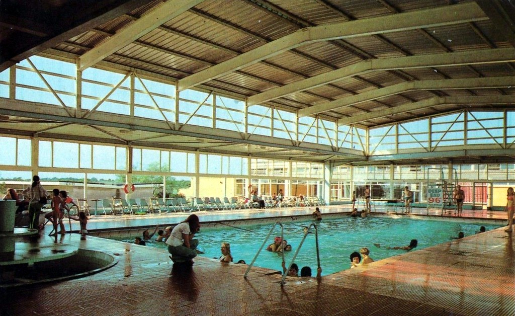 pontin 39 s pakefield swimming pool first opened in the 1930s flickr