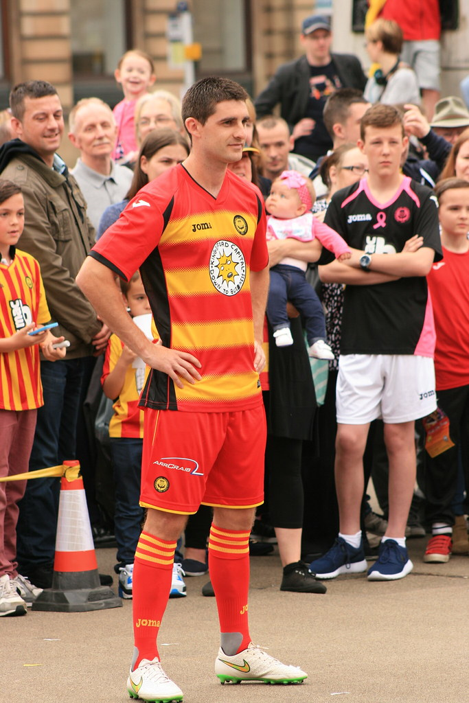 Partick Thistle's Mascot in George Square (108)