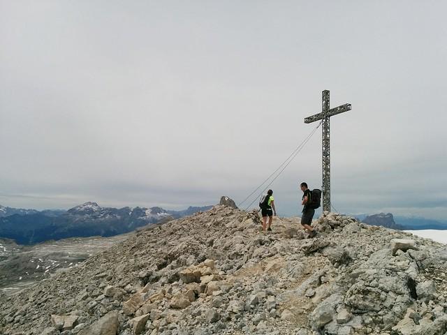 Gipfelkreuz Neunerspitze 2.968 m