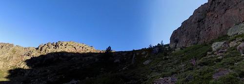 La sortie de la forêt et l'arrivée en vue du col 1850m