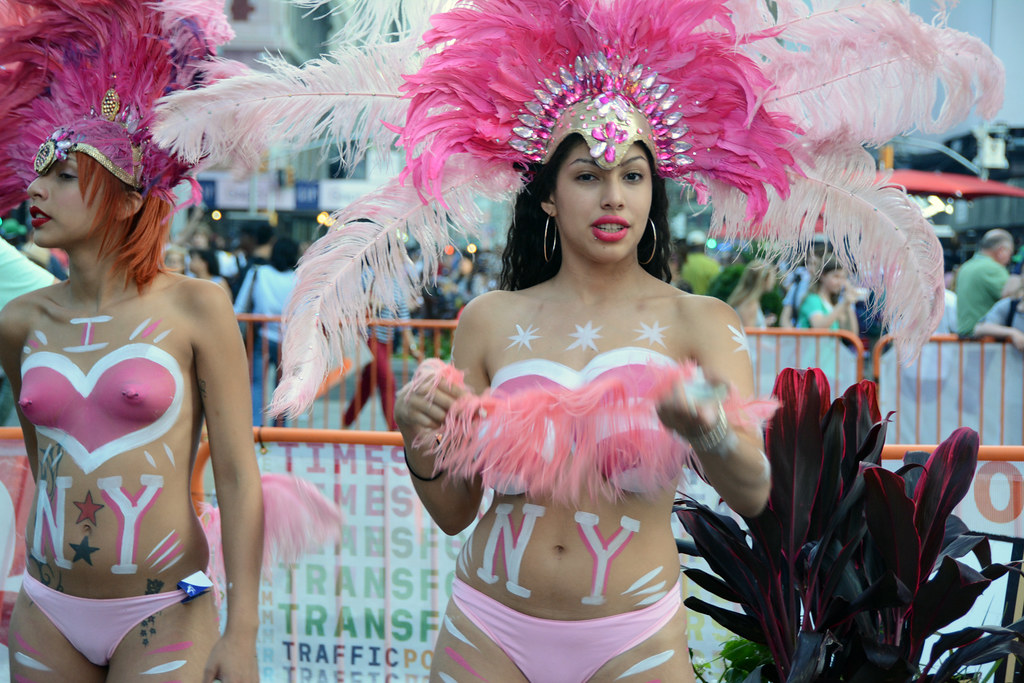 Women In Times Square In Nyc Wearing Only Body Paint Phot -1650