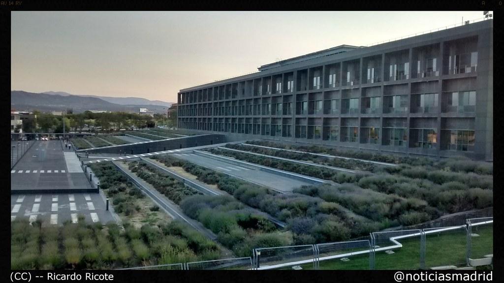 Las rozas edificio de oficinas y centro de c lculo de ca for Oficinas de bankia en madrid
