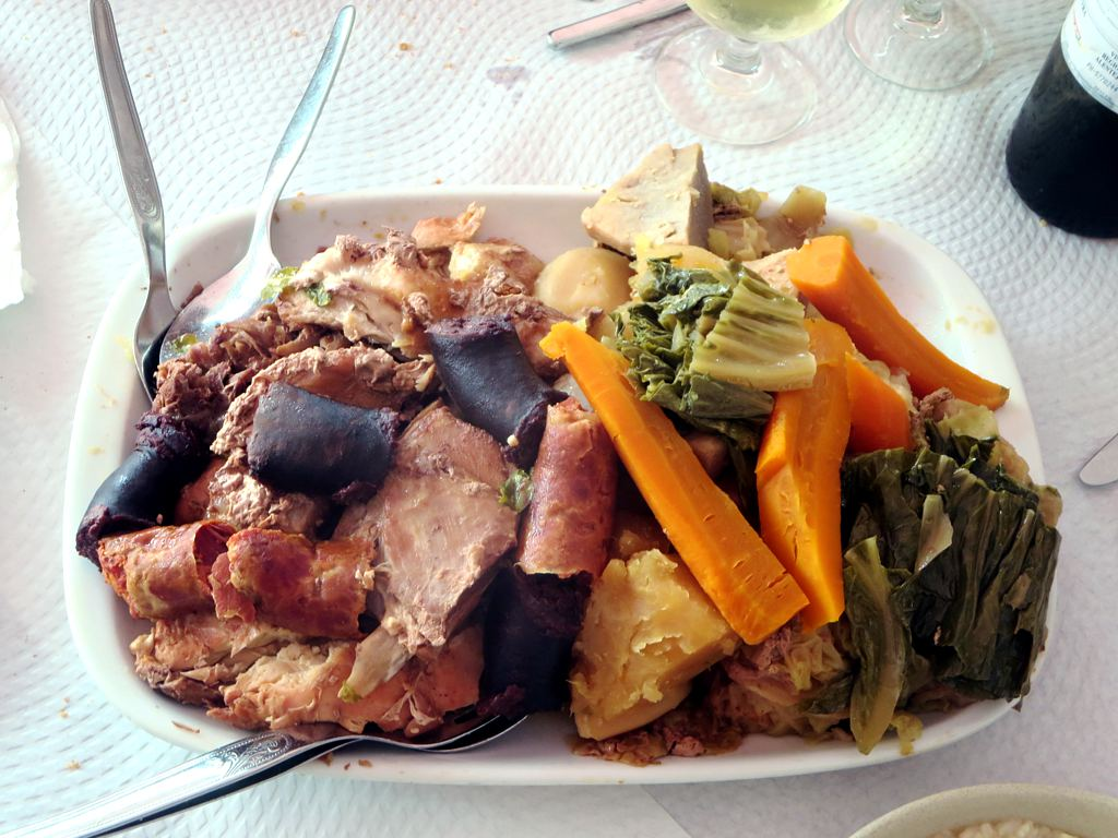 Volcano >> Cozido das Furnas | One of the most characteristic dishes ...