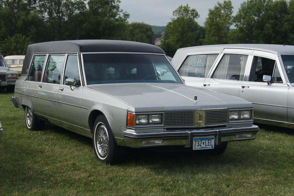 1984 Oldsmobile Ninety Eight Hearse Professional Car