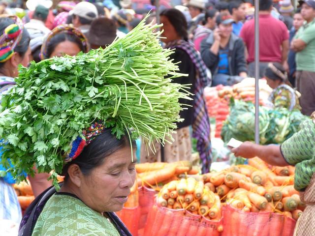 Escena en el Mercado de Almolonga (Guatemala)