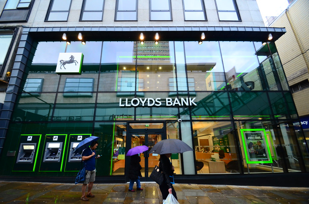 Lloyds Bank Branch Manchester Exterior | Photo of the ...