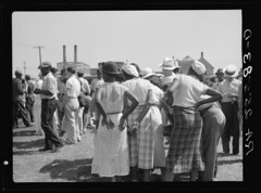 Women Strikers in Cambridge Md.: 1937 – Hi-Res