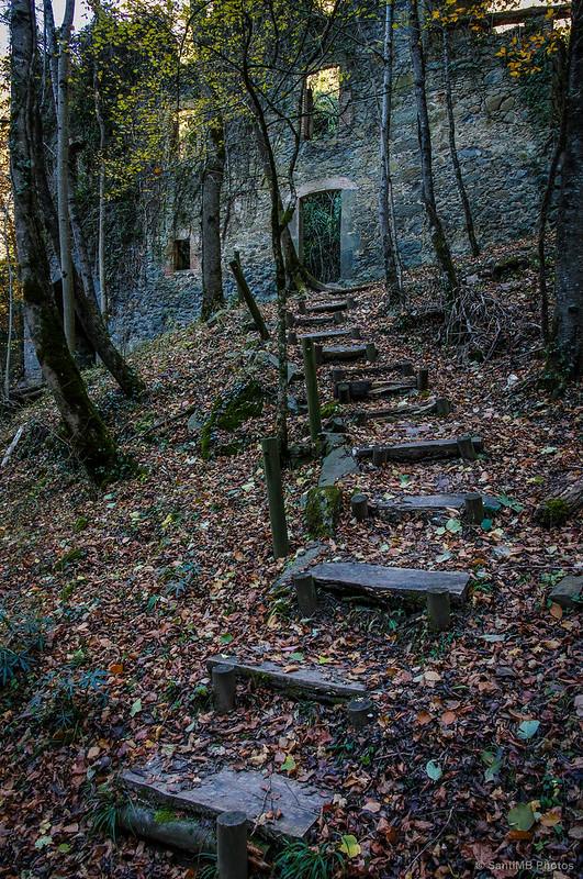 Las escaleras de la entrada