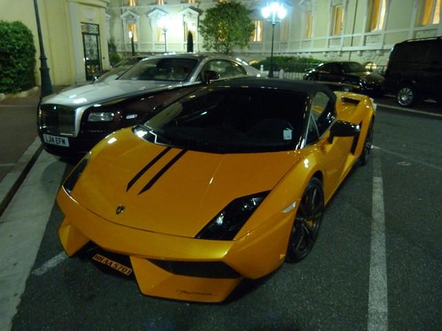 Coches de lujo en Mónaco