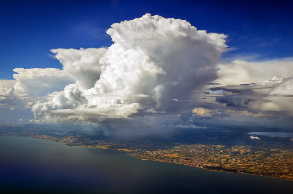 Isolated summer thunderstorms...(2 of 2). | Roma, Italy ... Isolated Thunderstorms