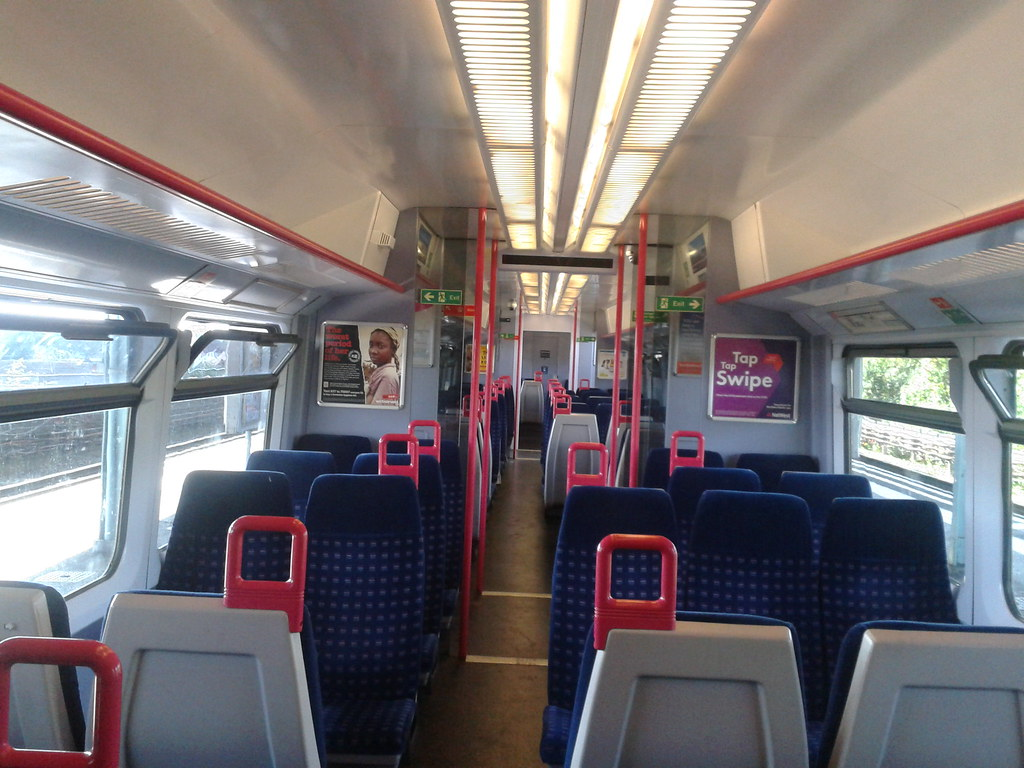 First Great Western - Greenford Line - Class 165 - Unit 12 ...