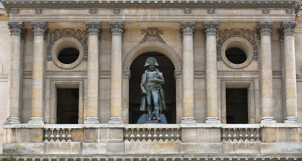 napoleon i 39 s statue in the cour d honneur les invalides flickr. Black Bedroom Furniture Sets. Home Design Ideas