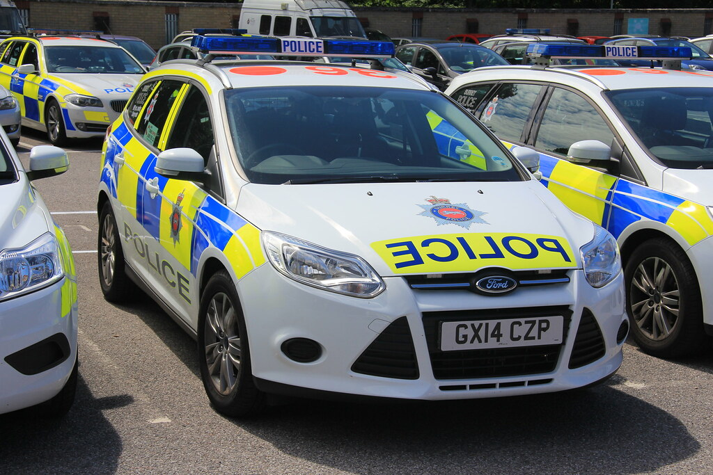 Surrey Police Ford Focus Estate Incident Response Vehicle