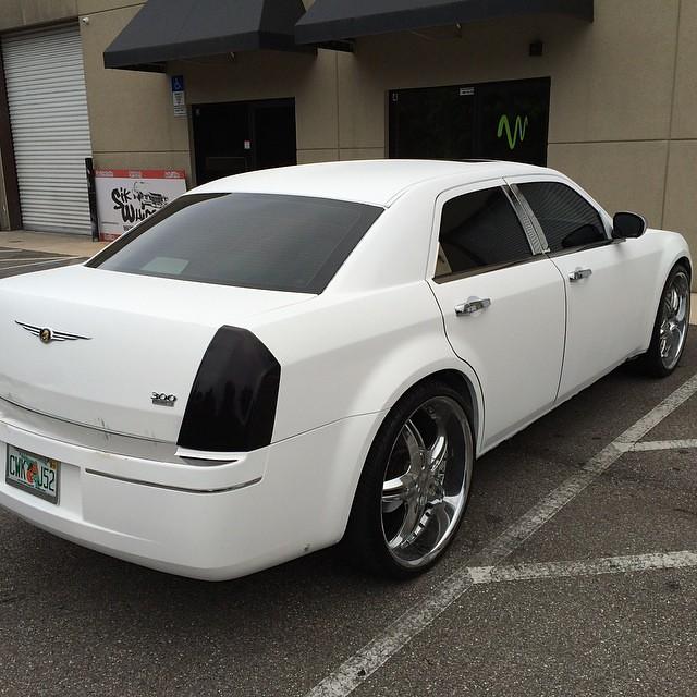 Matte White Plasti Dip On The #Chrysler #300 @sikwhipscust